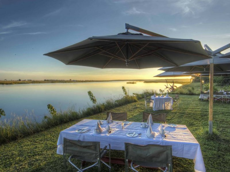 chobe-game-lodge-outdoor-dining-area