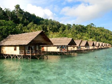 papua-explorers-dive-resort-bungalows