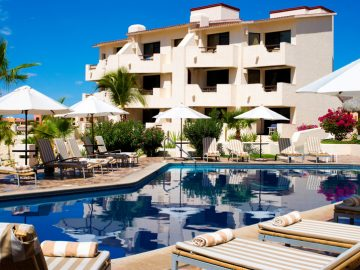 solmar-resort-pool-and-hotel