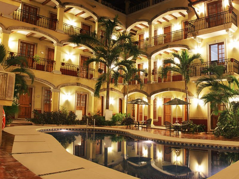hotel-hacienda-real-del-caribe-pool